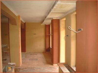 innenbereich-mit-unterschiedlichen-lehmfarben-gestaltet-mittleres-format.jpg